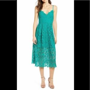 NWT ASTR THE LABEL LACE MIDI DRESS, LARGE